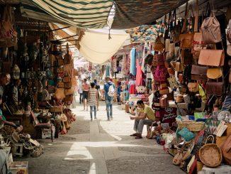Babouches marocaines : des chaussures faites à la main